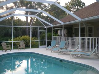 """Old Florida Style"" Villa + Heated Pool & Spa, Rotonda West"