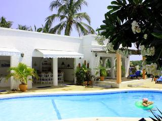 Plantation - Magnificent 5 Bed Beachfront House