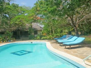 Little Gem - Special 2 bedroom Beach Cottage, Watamu