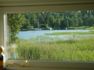 25 meters from Stockholm archipelago, boat + canoe