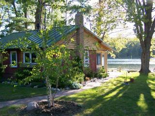 Quaint Log Cabin on Peaceful Northern MI Lake