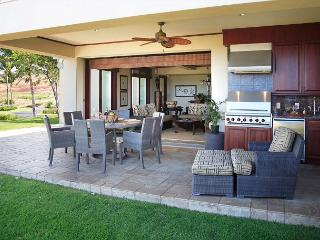 WAI'ULA'ULA A102- AMAZING OCEAN VIEWS! GROUND FLOOR WITH DOUBLE MASTER SUITES
