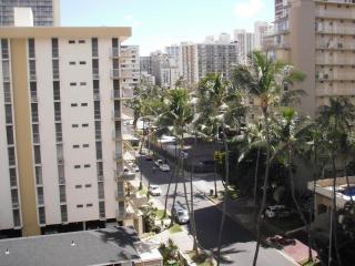 904PP Central Waikiki Penthouse, Kitchen
