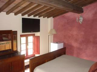 Intimate & stylish B&B Lucca hills, Tuscany, Italy