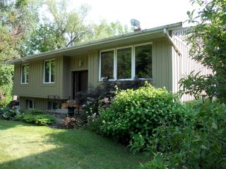 Brookhaven - Large Cottage!