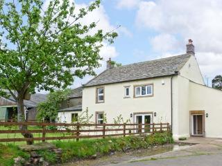 CHIMNEY GILL, on working farm, woodburner, en-suites, in Sebergham village Ref