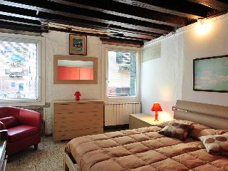 BIENNALE  APARTMENT-CANAL VIEW, City of Venice
