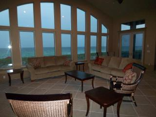 6 BD 6 bath, A true gulf front and a balcony pool, Navarre