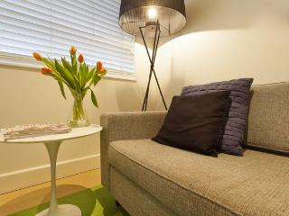 Elwood Beach Apartment Stay, Save & Relax!, Melbourne