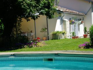 Les Chenes Bed and Breakfast stay in France, Marpaps