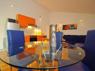 Awesome home in Trogir center - free bikes