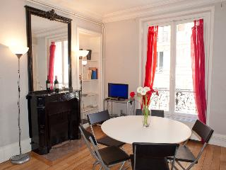 Rue Larrey. Fabulous 2/3 bed apartment in the Latin Quarter, Place Monge