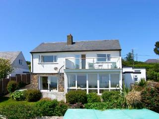 GARNA, spacious property, four bedrooms, sea views, balcony and lovely gardens in Mynytho, Ref 16406, Abersoch