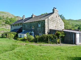 2 HIGH MOSS HOUSE, comfy cottage with open fire, lovely scenic location in Seathwaite, Ref 17670