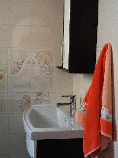 This shows the 2nd floor bathroom.