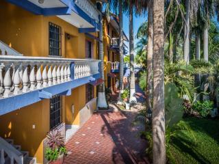 Balcony-Tropical garden-Walkway at Dodo Residential,Cozumel,Mexico