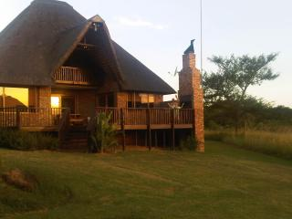 Kruger Park Lodge: modern, family holiday rental