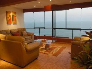 3 LEVEL PENTHOUSE WITH PRIVATE TERRACE,  WITH BEST OCEAN VIEW IN MIRAFLORES​​​,PE​R​U., Lima