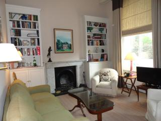 South Kensington - 3 Bedroom 2 Bathroom (4099), Londen