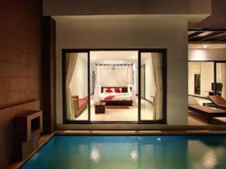 Romantic, jump from the bedroom into the pool!