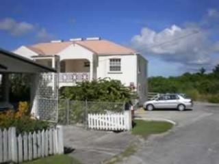 FULLY-EQUIPPED APARTMENT ON BARBADOS SOUTH COAST, Maxwell