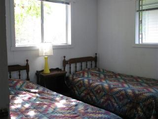 Twin Beds Tree Cottage #7
