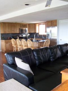 Great Room with leather sofa and lots of seating