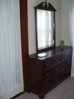Dressser_master bed room
