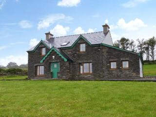 KILBROWN HOUSE detached, four bedrooms, family friendly, near to coast in Goleen