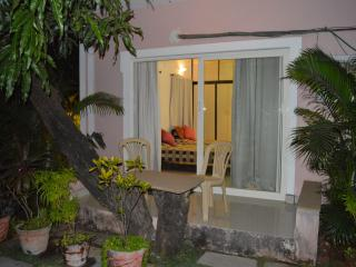 Poolside Studio Apartments - Perfect for couples, Anjuna