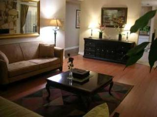 LUXURY FURNISHED 3 bedroom 3 bath Condo Sleeps 9, Santa Monica