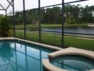 Stunning Lake View 7 bdrms 5.5 baths(4 suites), Kissimmee