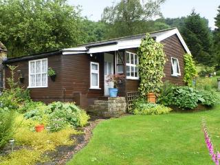 DAMSON CROFT, single storey cottage, two bedrooms, lawned garden, in