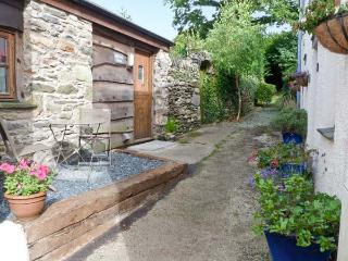 HILLRISE BARN, barn conversion, character features, romantic retreat, pet friendly, in Flookburgh, Ref 17527, Grange-over-Sands