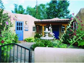 Beautiful Renovated Taos Adobe on Ledoux St