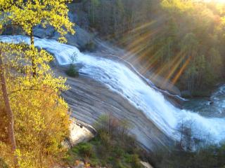 WATERFALL & MOUNTAIN VIEW!, Lake Toxaway