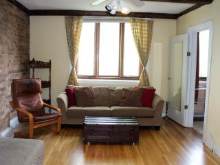 Trifecta!  2 Bedroom Best Location in Lincoln Park, Chicago