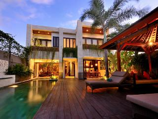 4 to 6 bedrooms Luxury Villa Seminyak