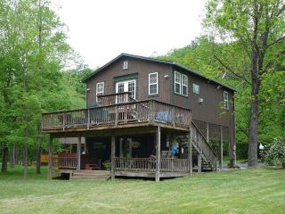 Bear Valley River cabin on the Shenandoah River