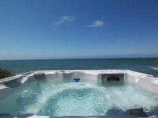 Glimmering Sands Oceanfront-HotTub-King Bed, Firep, Lincoln Beach