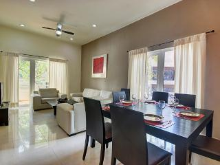 Palmar del sol 101. 2 bedroom apartment. 5th avenue view, Playa del Carmen