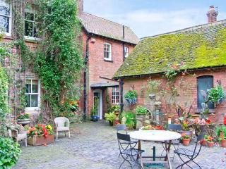 HOUSEKEEPER'S COTTAGE, character romantic accommodation, woodburner, private garden, use of 8 acres in Meeson Ref 17632, Shropshire