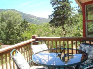ROCKY MOUNTAIN RETREAT: MT VIEW, PIKE NAT'L FOREST, LAKE, PARK BY THE CREEK