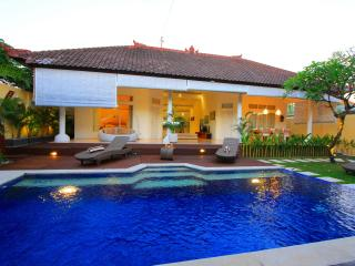 Villa at Seminyak, 5 min walk to beach