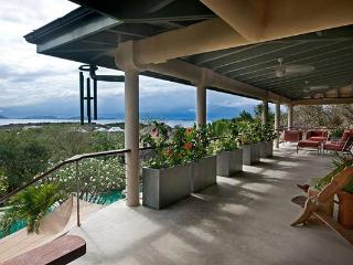 Sophisticated and elegant, this villa celebrates the craftsman. MAV SYM, Virgin Gorda