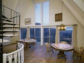 Terrific views from the dining area and game area down the valley and all the way to the next state.
