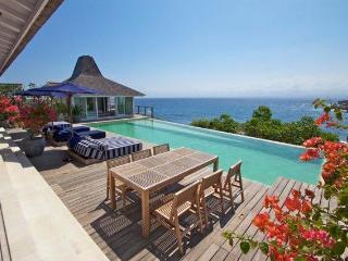 Villa Tranquilla, stunning 4 bed clifffront villa