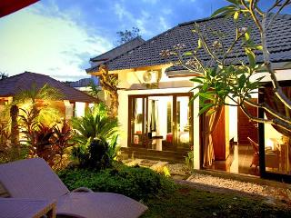 5 bedroom villa Seminyak near Bintang Supermarket