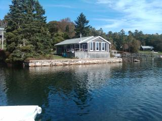 Waterfront Rental Home near Boothbay Harbor Maine
