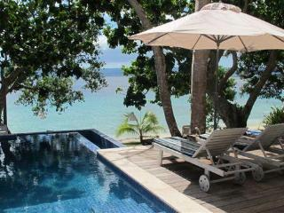 Grand Villa, beachfront luxury at Dreamcove 17, Port Vila